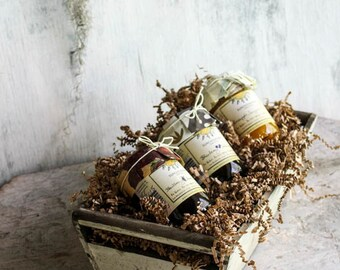 Florida Artisan Rustic Wooden Gift Craft with Three Jars of Fresh Fruit Jams