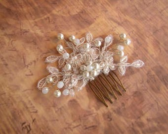 Bridal Hairpiece, Pearl Hair Comb, Wedding Hair Comb, Lace Hair Piece, Small Hair Accessories, Ivory Headpiece, Bridal Hair Comb Vintage