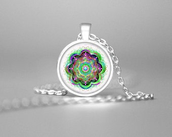MODERN MANDALA PENDANT Mandala Jewelry Mandala Necklace Meditative Necklace Mandala Art Balancing Necklace Sacred Geometry Green