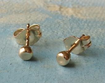 small gold studs - Gold Pebble Earrings ( 3mm ) - handmade gold stud earrings - gold earrings - simple gold stud earrings