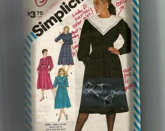 Simplicity Misses' Semi Fitted Dress Pattern 6213