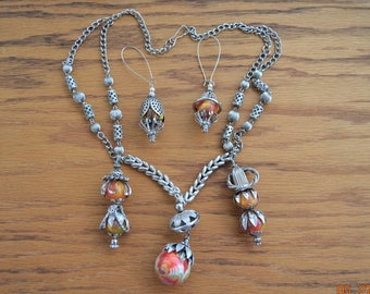 Vintage Bounce Balls,Necklace & Earrings,Atomic Space Age VTG Mid Century Flying Saucer UFO Looking ,Very light weight