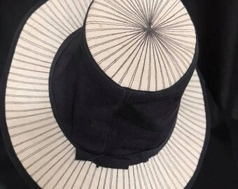 VINTAGE 1930S/1940S Two Tone Tilt Topper Hat