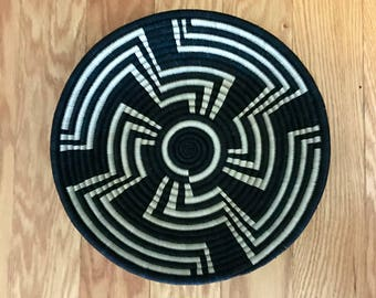 Beautiful Black/white African Baskets/Fruit Baskets***free shipping
