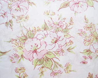 Vintage Sheet Fabric Fat Quarter – Floral Pansies Daisies Flowers Pink Red Yellow Blue Green