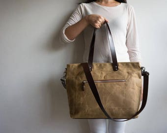 Waxed Canvas bag, Waxed canvas zipper bag, Canvas zipper crossbody bag, Waxed canvas zipper diaper bag, Laptop bag tote, Shoulder bag, Tan