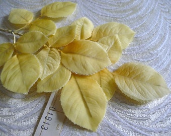 Vintage Millinery Leaves Butter Yellow Double Silk NOS Spray of 18 for Hats Corsage Hair Crafts 7LV0030Y
