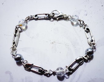 Beaded Safety Pin Bracelet - Various Colours