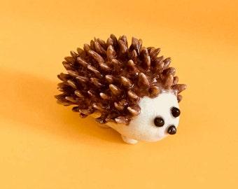痛くないハリネズミ / Handmade Ceramic Hedgehog / Ceramic animal /Handmade /Craft /Art /Sculpture /Mini art