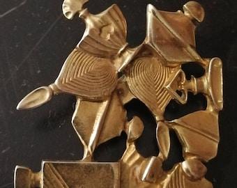 GUERLAIN gold plated vintage brooch