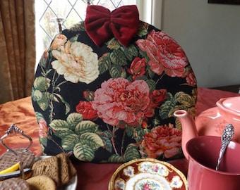 Gobelin Tea Cosy with Roses, Floral Tea Cozy, Rose Tea Cosy, Tea Cozy with Flowers