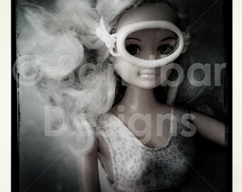4 x 4 photo card-Snorkel Barbie