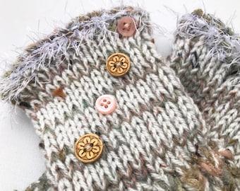 Icicle Frilly Fingers - Winter White Fingerless Gloves - Light coloured icy design fingerless wrist warmer - White Wintry Fingerless Mittens