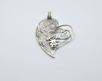 BR114 - 1 large heart charm in silver