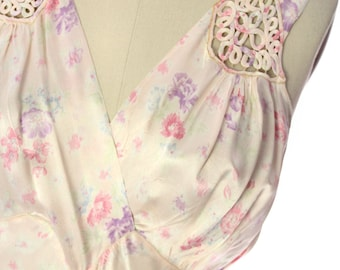 Lovely Vintage 1930s Bias Cut Nightgown Peach Floral Rayon Satin S-M Boudoir Special
