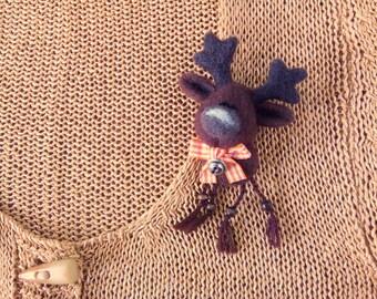 Elk needle felt 3D brooch/Cute Elk Gift/Wool Animal Brooch/Mother's day present/Felted Animal Gift/Needle Felted brooch/Brooch for childrens