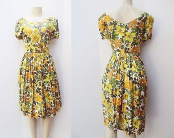 Large Floral Patterned 1950's Dress with full skirt