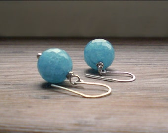 Blue agate earrings // silver dainty earrings // agate dangle earrings // agate earrings // agate