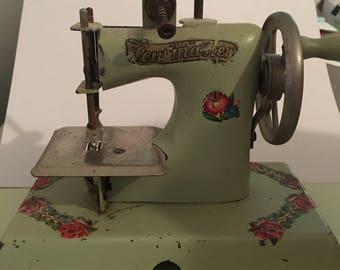 Sew master toy sewing machine 1950's
