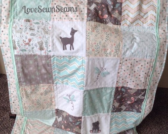 CUTEST WOODLAND/Mint, Coral & Gray Quilt/Dragonfly/Dandelion/Crib Size/Ships Today/Handmade USA
