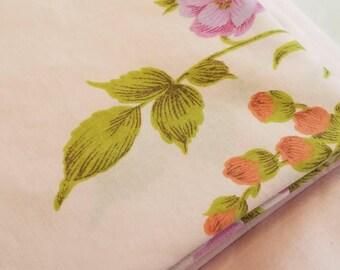 SET - Vintage Twin Sheet Set 1 Fitted + 1 Flat sheet + (1 King Pillowcase)
