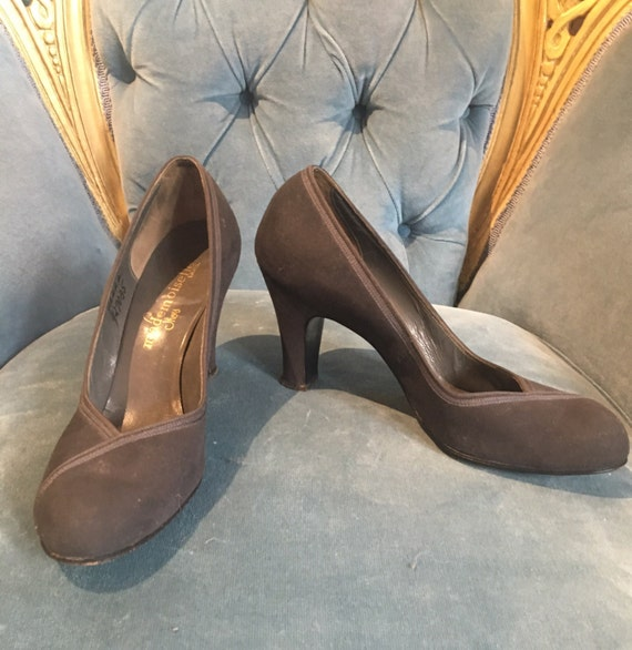 Vintage 1940s Grey Suede Pumps Mademoiselle Shoes