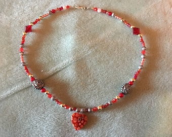 Glass Heart Beaded Pendant Necklace.