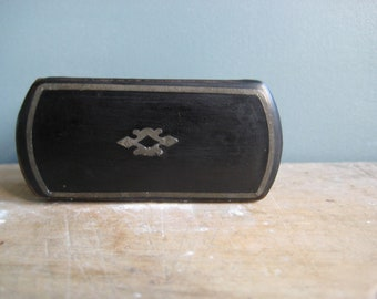 A vintage French papier mache snuff box, black papier mache with inlay, small black box, lady's snuff box