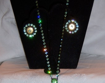 Vintage Pale Green Austrian crystal drop pendant necklace and earrings