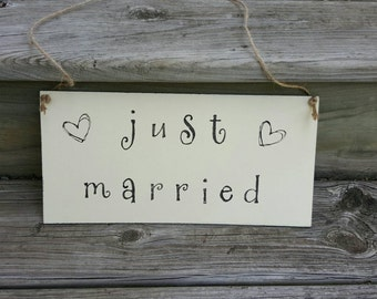 Just Married Sign - Just Married Decoration- Wedding Car Sign- Wedding Car Decoration- Wooden Wedding Sign- Rustic Wedding Decor