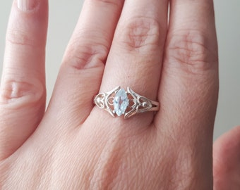 Vintage Marquise Cut Aquamarine Hearts Sterling Silver Ring ,March birthstone Size 8 3/4 RG5