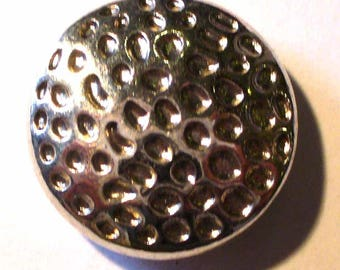 1 silver hammered domed bead 17mm - MP250