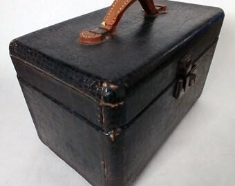 Mid Century Travel Valet, Carrying Case, Luggage, Brown Train Case, Vintage Vanity Case, Prop