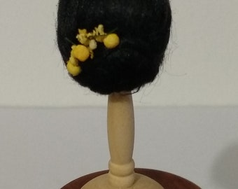 Wig in black color, scale 1:12.