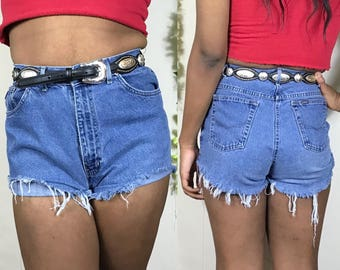 """Vintage 1990's Chic high waisted frayed denim cut off shorts ~ size 29"""""""