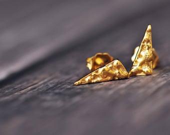18K yellow vermeil triangle textured stud earrings