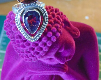 Vintage Amethyst and Sterling Silver Ring.... size 8