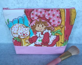 STRAWBERRY SHORTCAKE 80s Vintage Upcycled Makeup Bag Cosmetic Bag Pencil Pouch Pupcake Custard Make up Knitting Zipper case