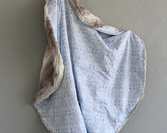 baby blanket - round blanket - boho blue - gray faux fur