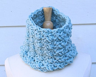 light blue cowl, sky blue scarf, blue crochet cowl, blue crochet scarf, crochet circle scarf, chunky crochet cowl, blue chunky cowl