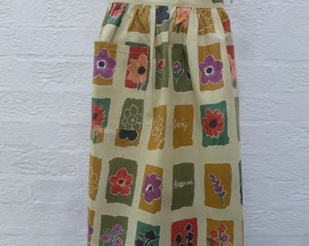 Flower apron floral gift for her handmade present 1980s vintage rustic apron wifes present sisters handmade England gift green apron kitchen