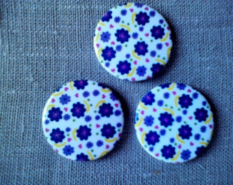 Button magnets round daisy motif
