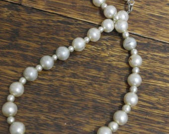vintage glass faux pearl necklace