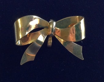 Vintage 1970's Carl Art Gold Bow Brooch (Tier 2)