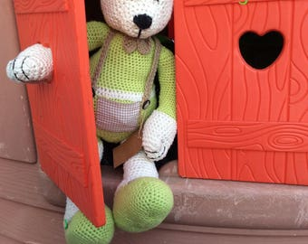Teddy bear with glasses, crocheted amigurumi