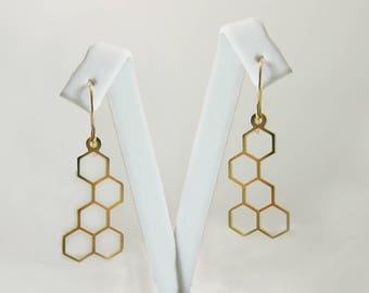 Gold geometric earrings. Geometric earrings. Gold earrings. geometric honeycomb earrings .Gold  earrings. Gold jewelry. Geometric jewelry