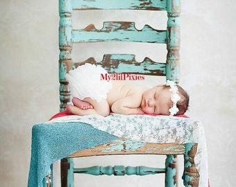 White Ruffle Diaper Cover, Ruffle Bum Baby Bloomer , Baby Girl Bloomer, Newborn bloomer, Newborn photography - Cake smash, ready to ship