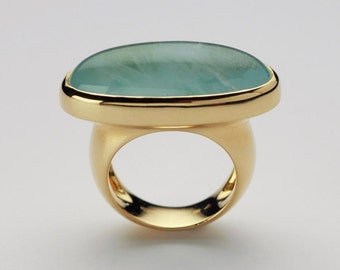 Large Natural Aquamarine Cabochon Ring, 18k Gold Women Cocktail Ring, Birthstone Cabochon, Bold Statement Ring Gemstone