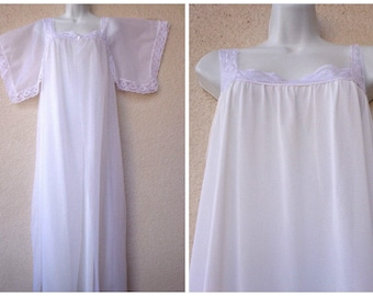 """1960s Nightgown & Peignoir Set. Bridal White Nightgown Peignoir Set. Double Chiffon Gown and Robe. 3 Layers. Lace Trim. Long Gown.  42"""" Bust"""