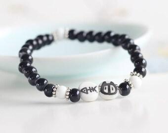 A lovely elastic bracelet cat ceramic beads